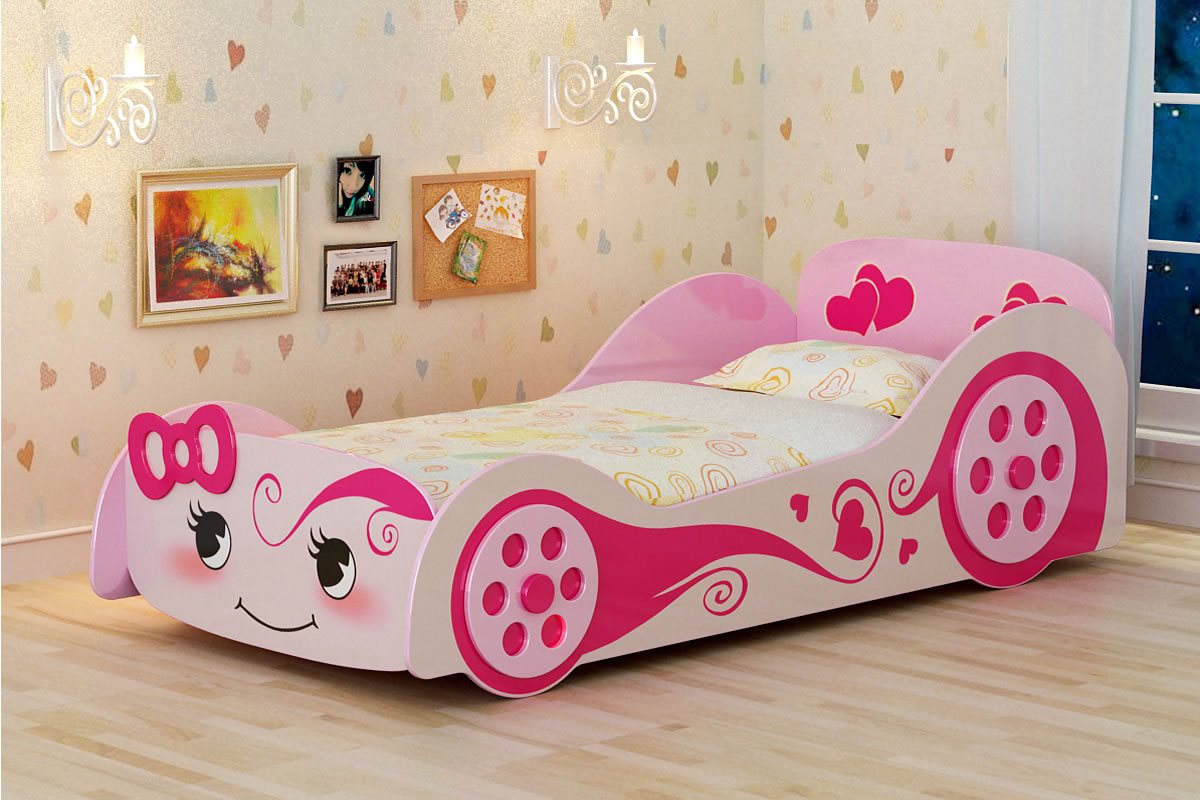Chunky and colorful Cartoon picture on the car bed for girl