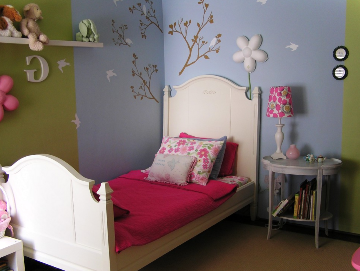 Childrens bedroom wallpaper ideas home decor uk for Bedroom wallpaper ideas