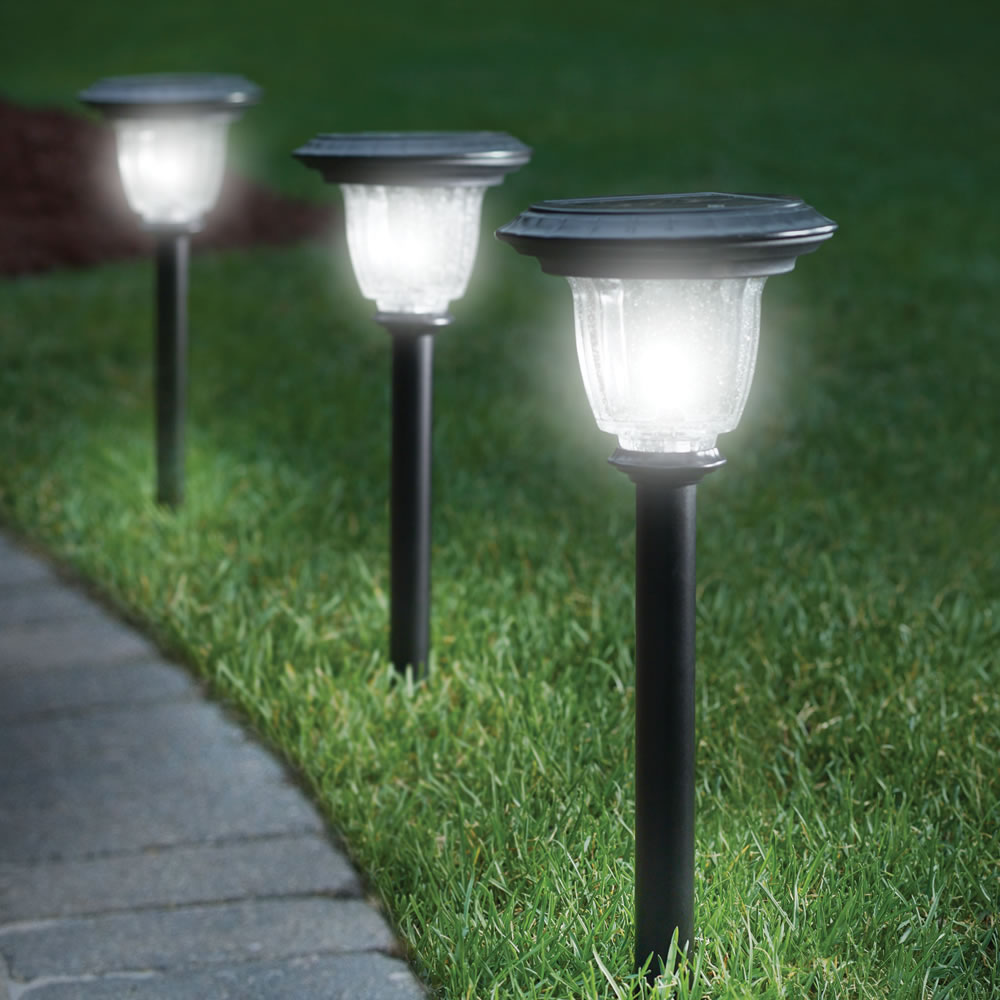 solar garden post lights
