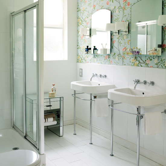 Modern wallpaper for bathrooms ideas uk for Bathroom decorating ideas wallpaper