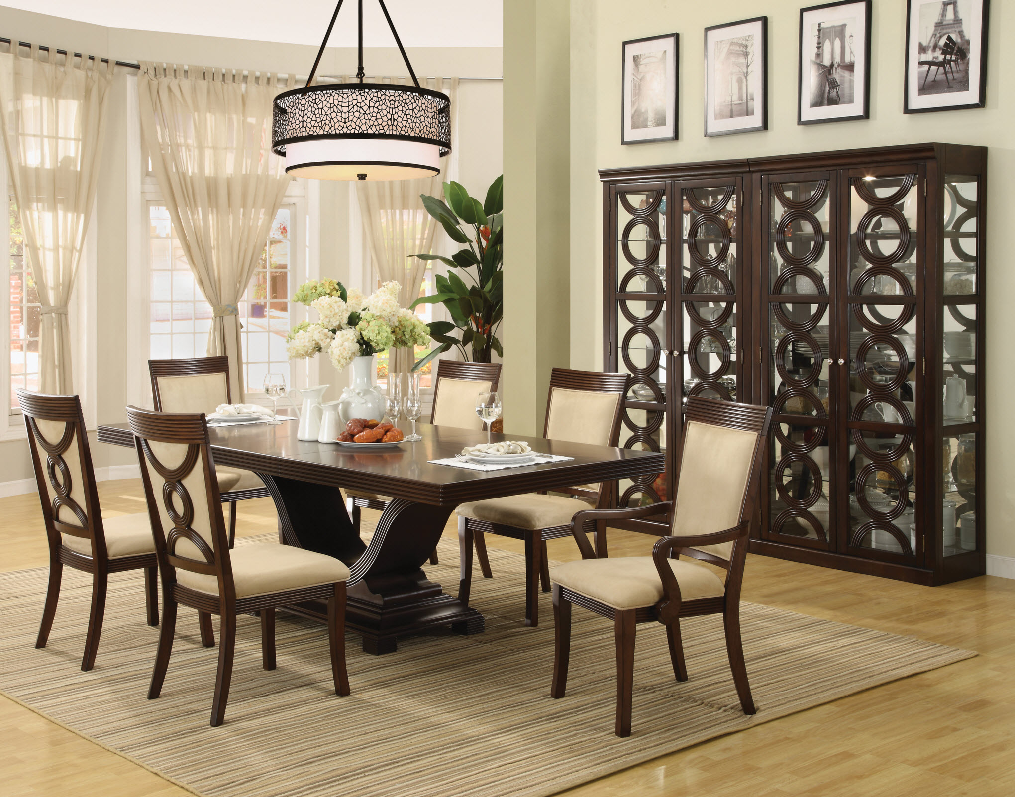 Decorating Small Dining Room. Dining Room Chairs Decorating Small S
