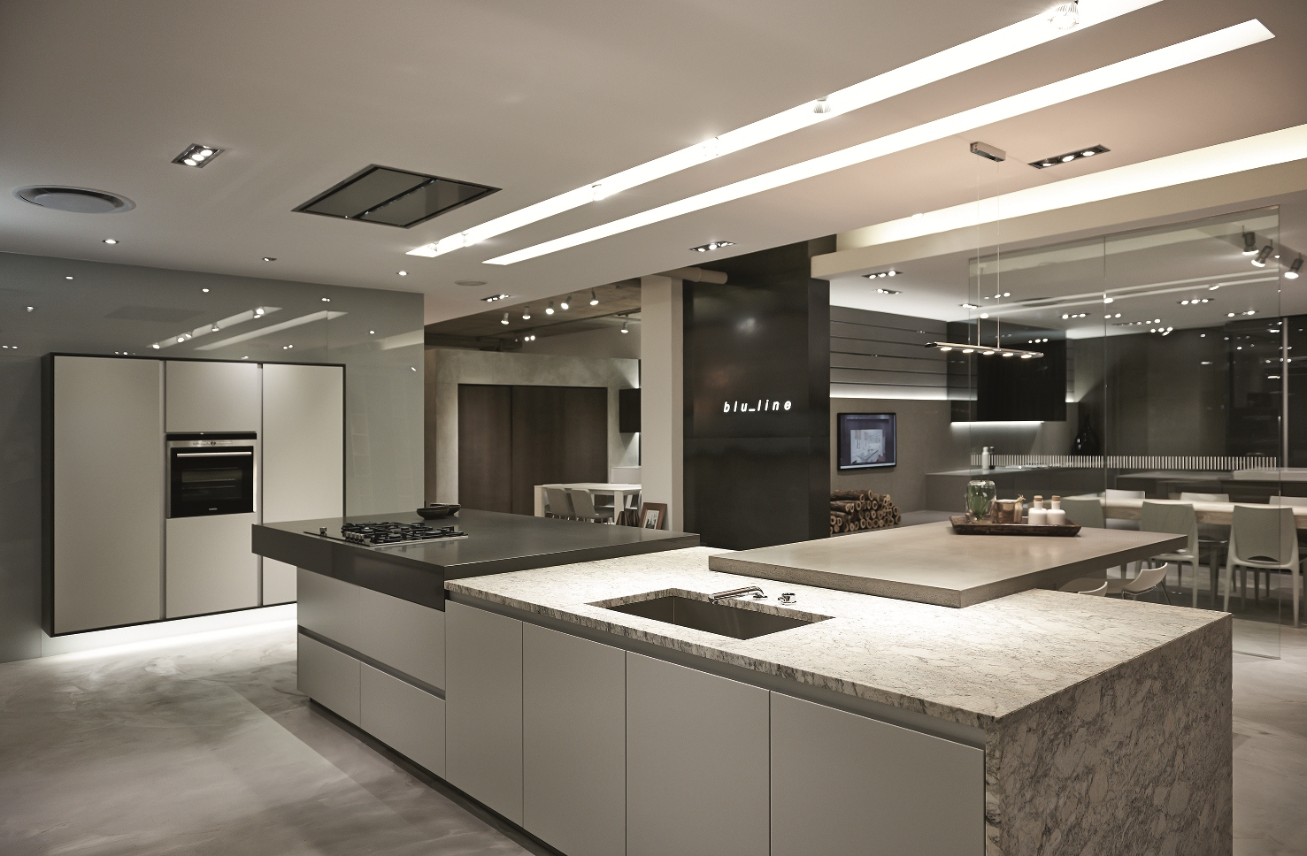 Kitchen showroom design ideas with images for Kitchen design showroom