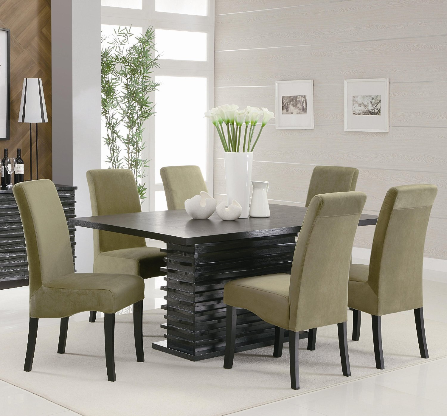 Round Dining Table. Modern Dining Room Sets