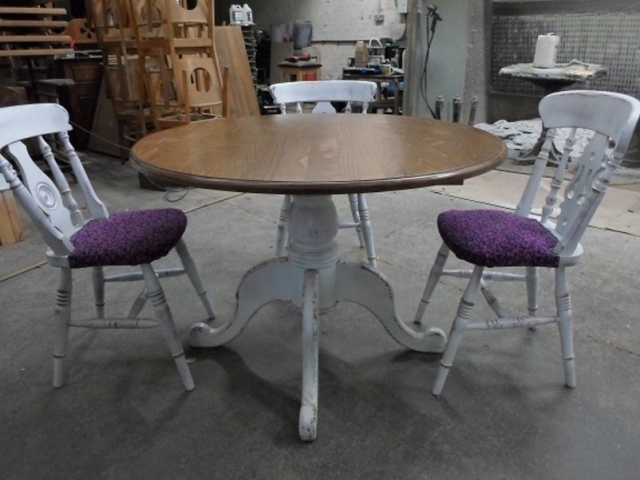Shab Chic Table And Chairstable And Chair Collection Table And in Interesting Shabby Round Dining Table And Chairs