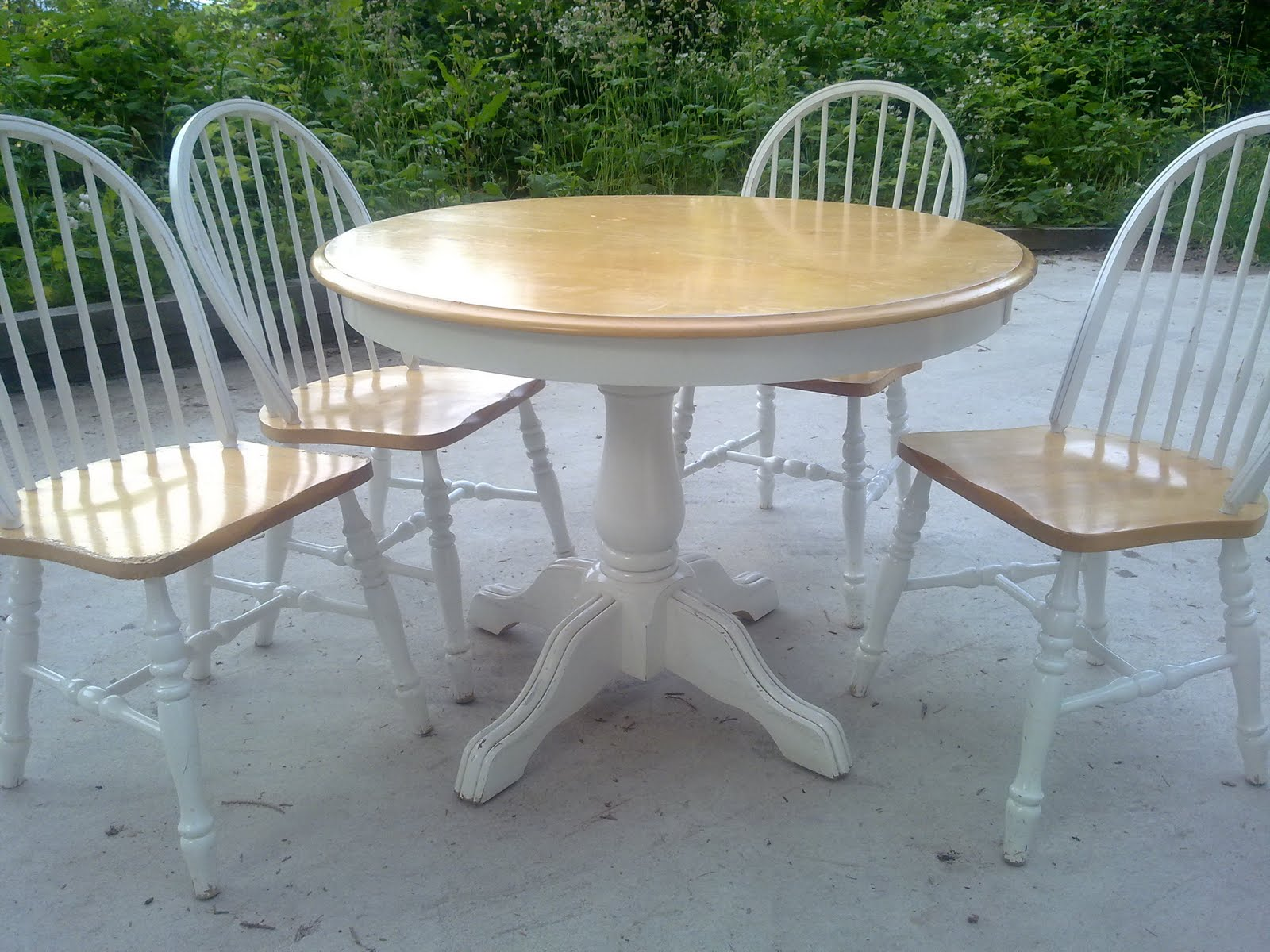 Shabby Chic Extendable Dining Table
