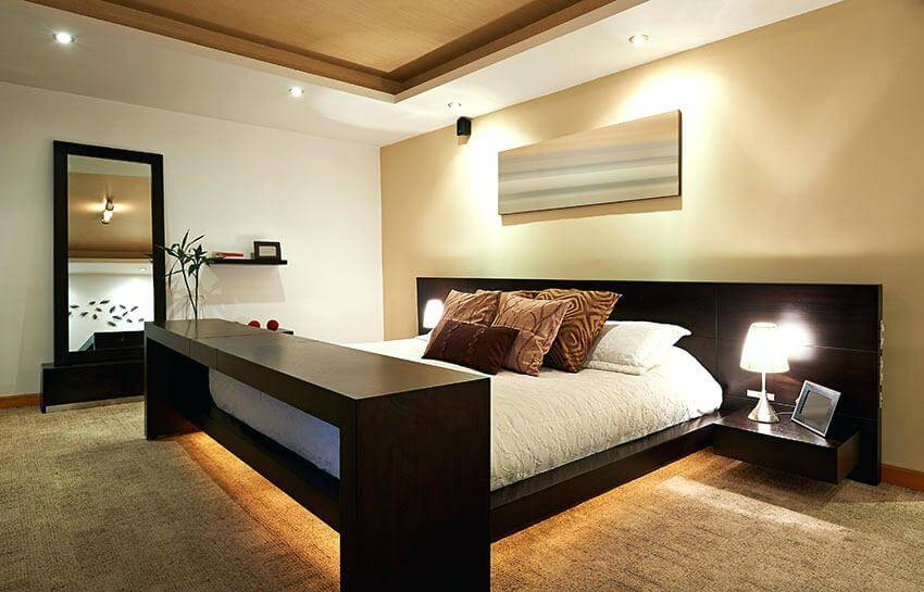 Feng Shui Room Bedroom Highlight On The Arrangement Of The Rooms And The Use Of Colour Most People Assume That The Room Arrangement And Selection Of Colours And Feng Shui Living R