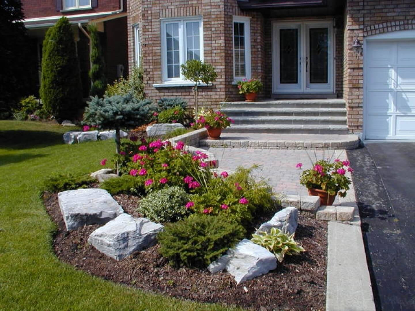 50 Best Front Garden Design Ideas in UK - Home Decor Ideas on Home Backyard Ideas id=92471
