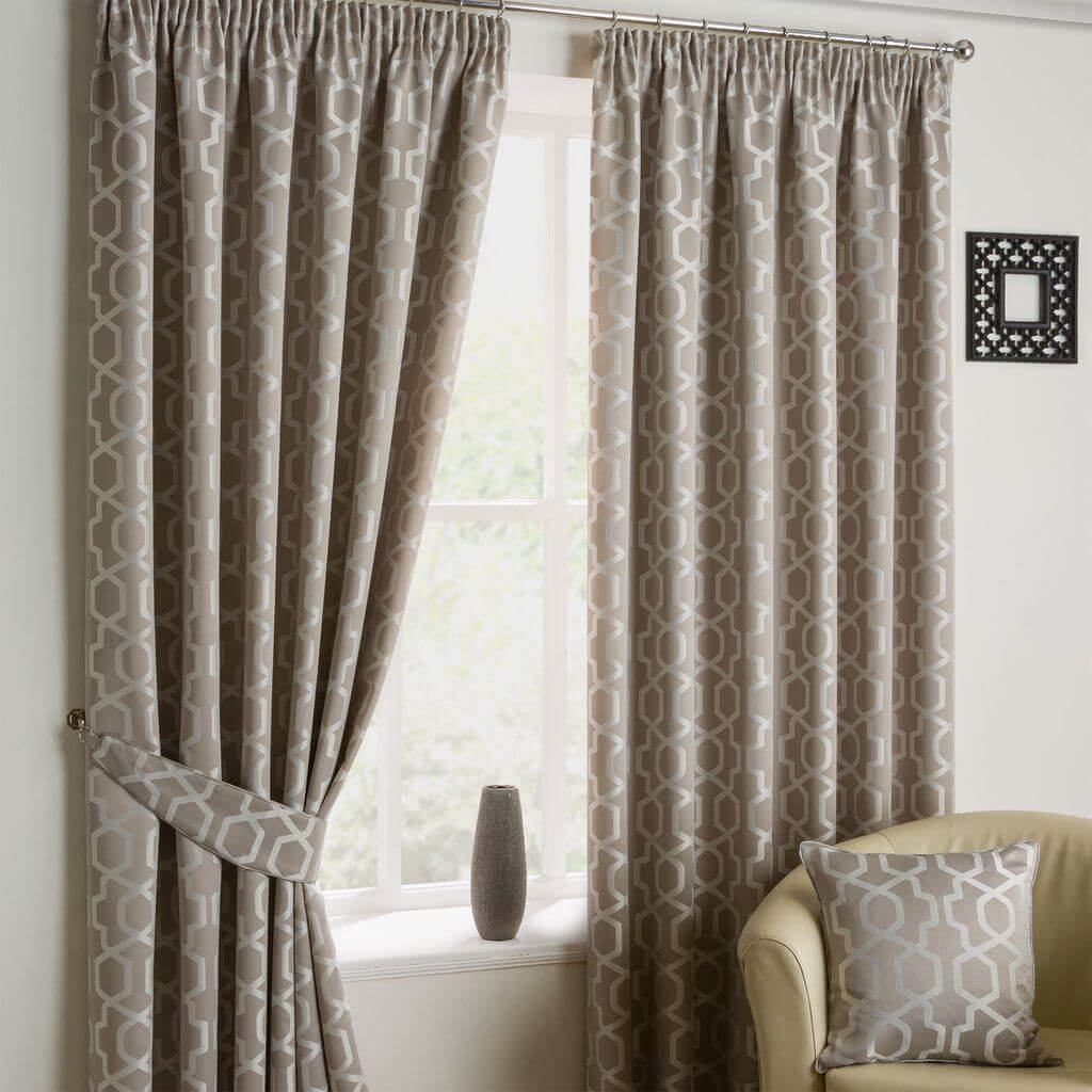 Modern Curtain Designs For Living Room (2)