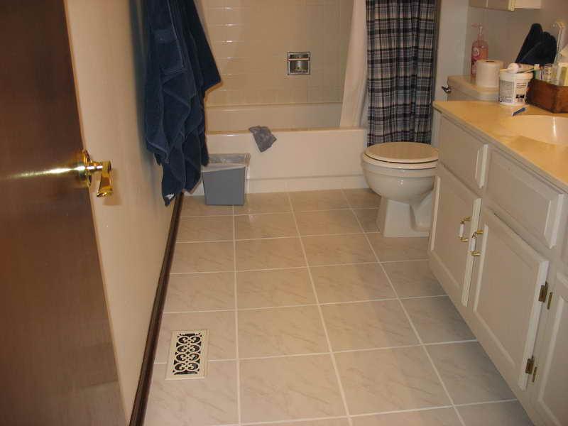 Small Bathroom Floor Tile Ideas 1