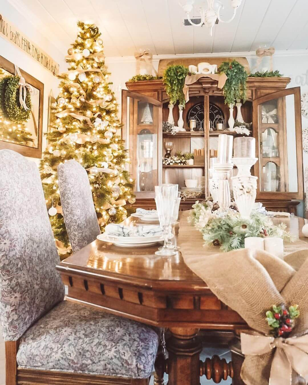 Holiday Home Design Ideas: Top 50 Christmas House Decorations Inside