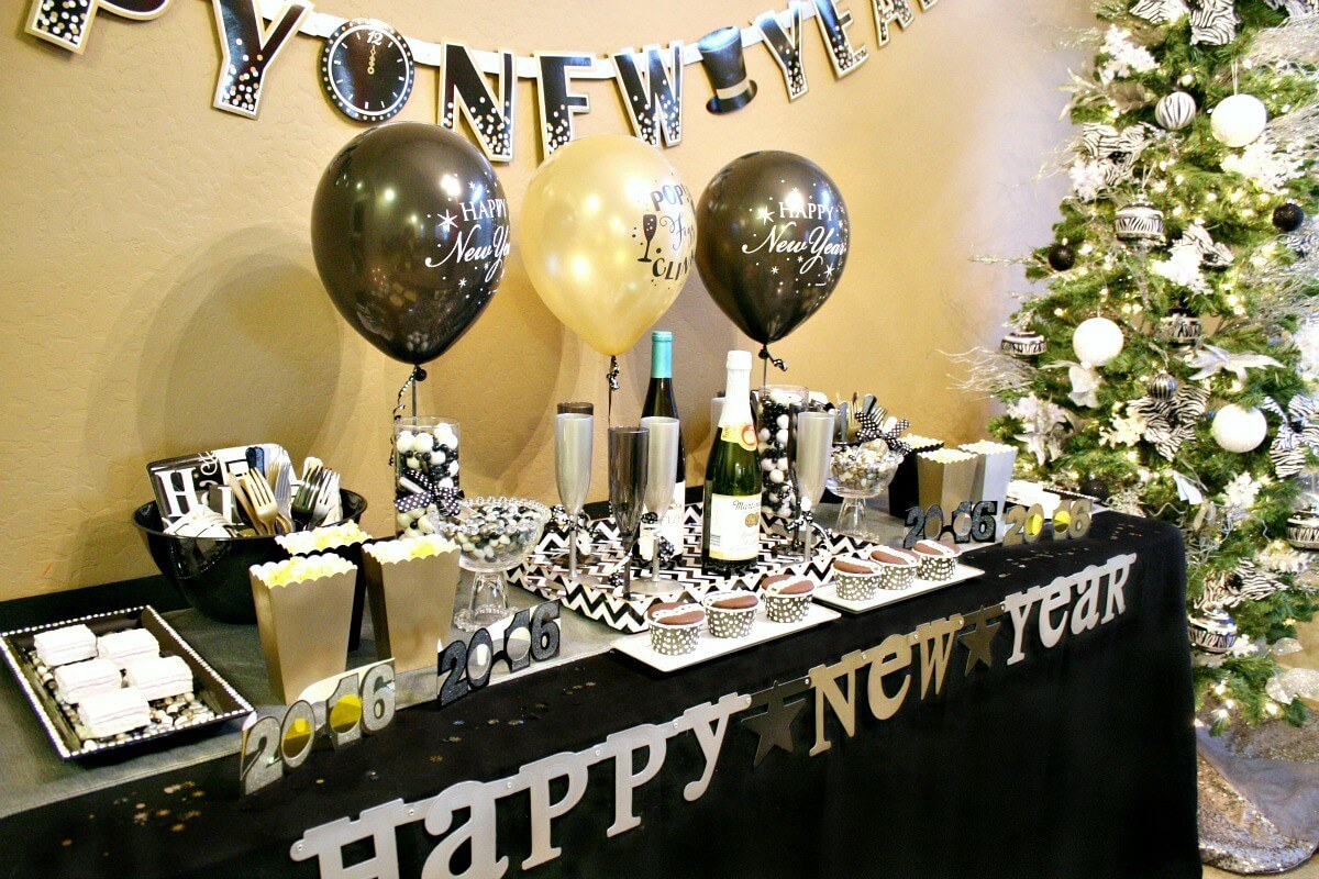 last-minute-new-year-eve-party-ideas-zebra-380873