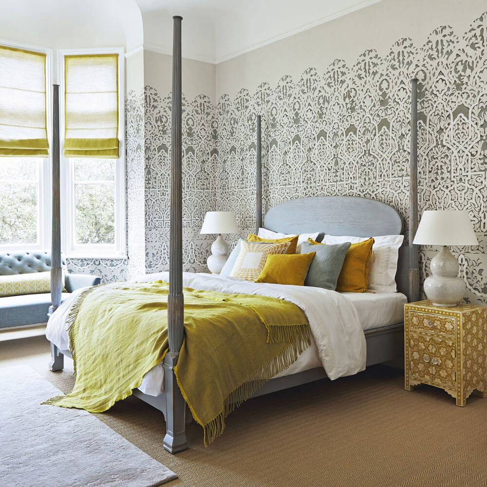 Summer-bedroom-with-four-poster-bed