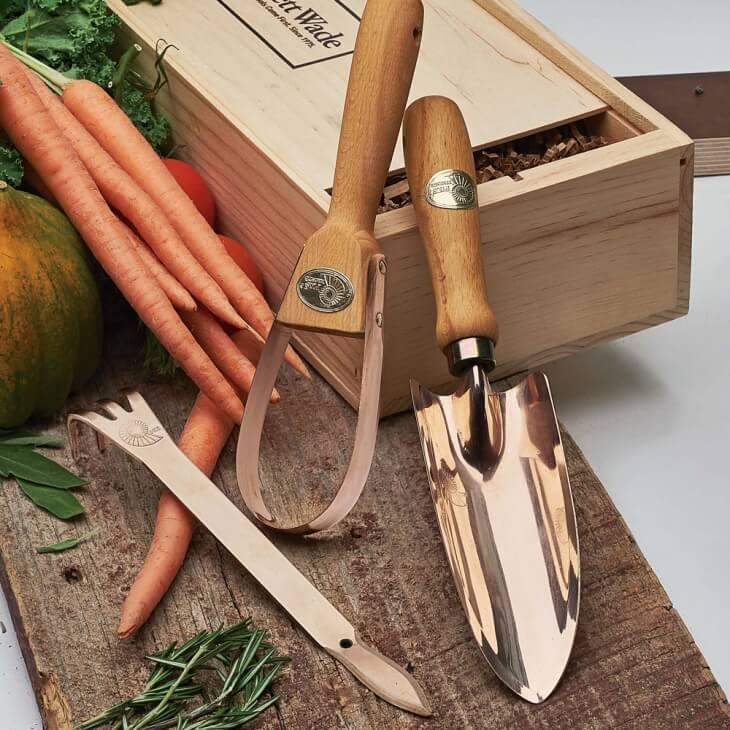 b&q garden tools