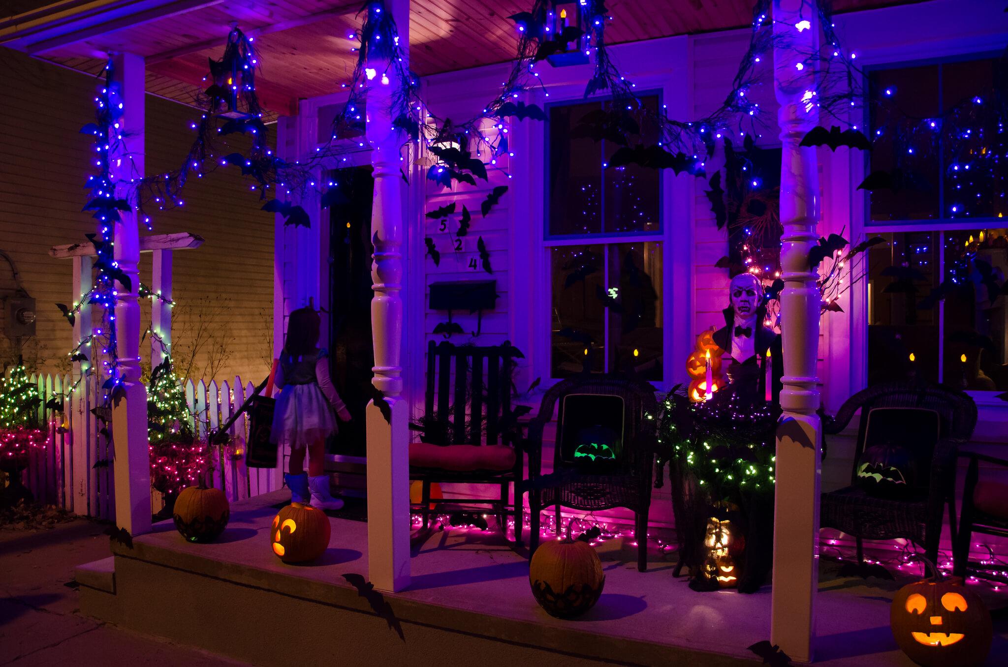 outdoor-halloween-decorations-lights